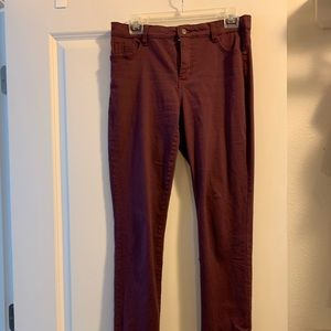 Bandolino red pants size 6